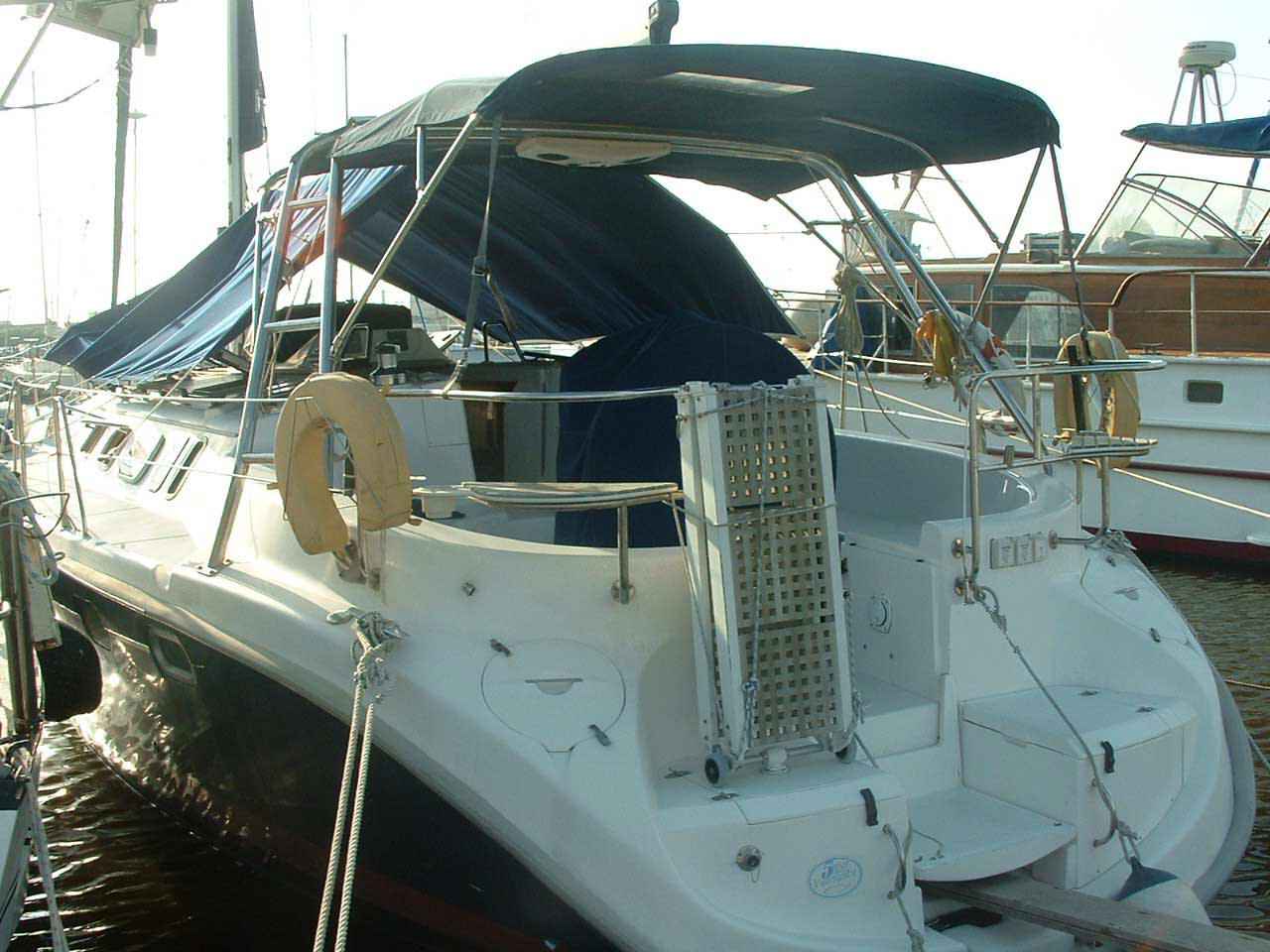 A Hunter 460 sailing yacht for sale with www.