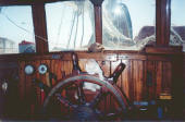 steam_pinnace_wheelhouse.jpg (82012 bytes)